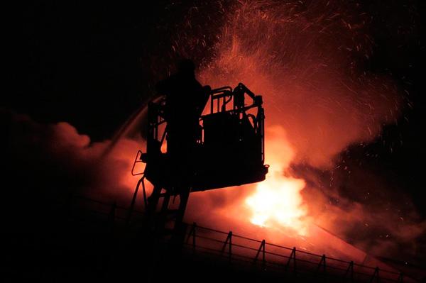 proteger las estructuras del fuego